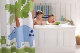 Дети в ванной: игры для двоих