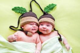 Новорожденная двойня – вас спасет режим дня двойняшек