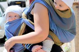 Слинг для новорожденных двойняшек и близнецов