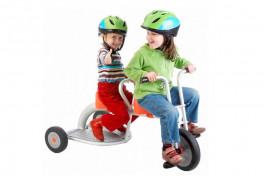 Велосипед для двойни или двоих погодков - яркое чудо техники
